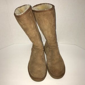 Classic tall chestnut UGG winter boots size 9